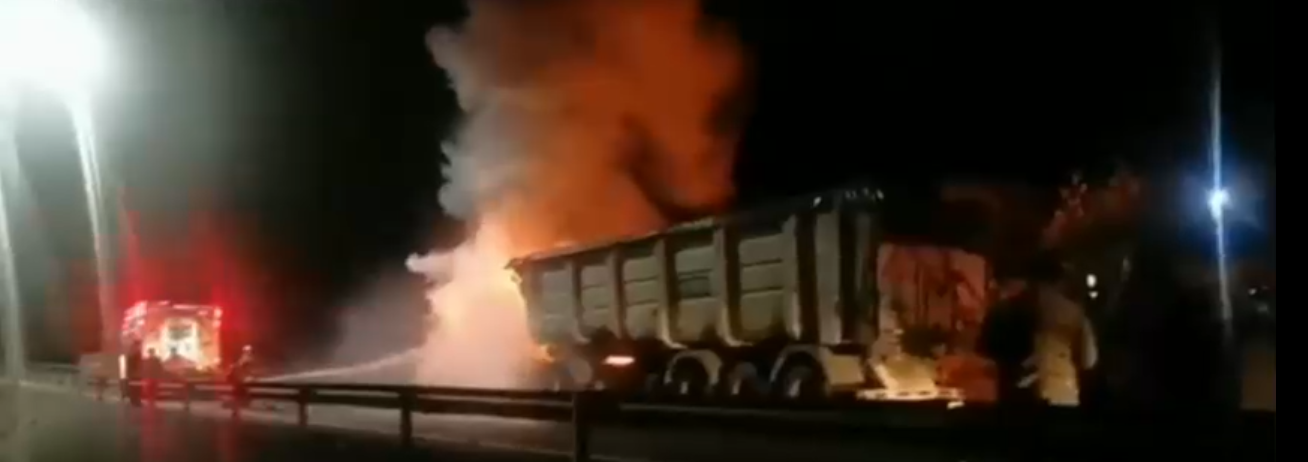 Atentado incendiario en Ruta 5 Sur.