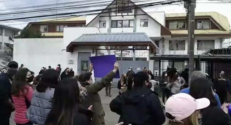 Protesta frente a la cárcel de Temuco.